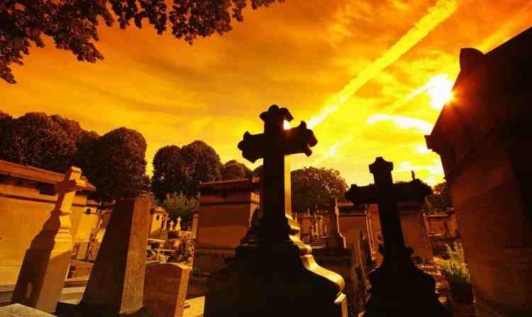 Paris Best Places to Travel. Peré Lachaise Cementery