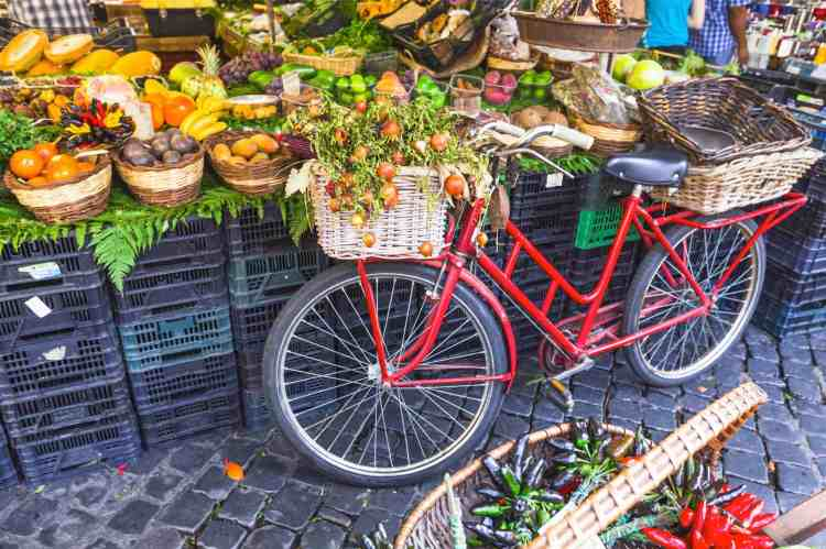Don't miss Rome amazing markets