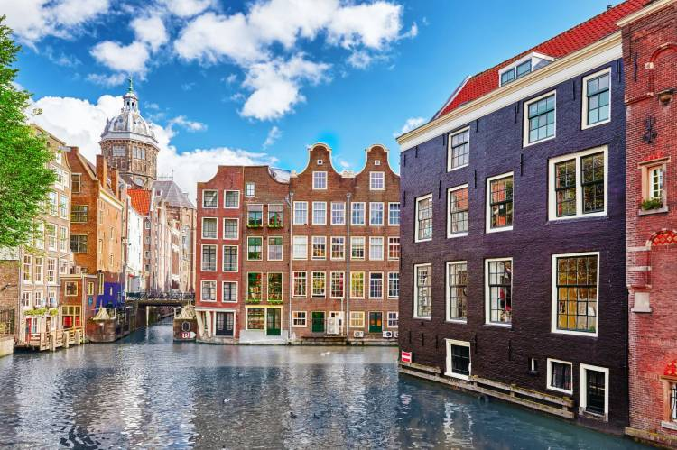 Awesome Amsterdam canals and architecture