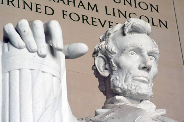 Abraham Lincoln majestic monument in Washington DC
