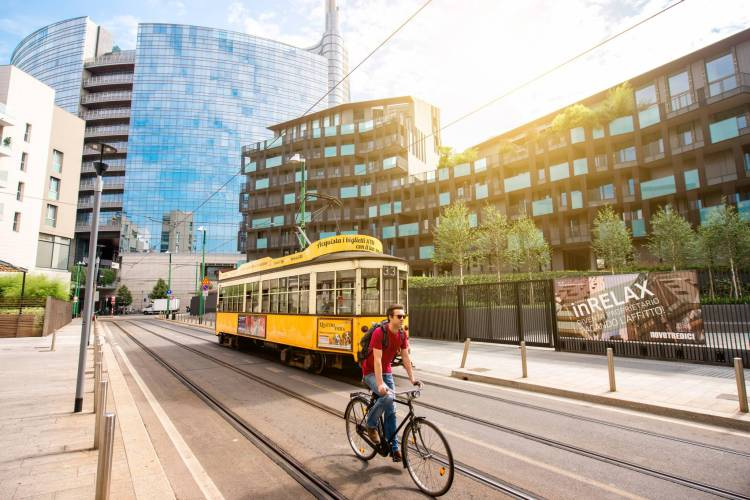 Move around Milan by Bike